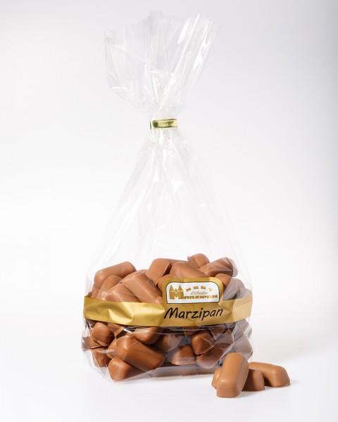 Marzipan-Bruch in Vollmilchschokolade