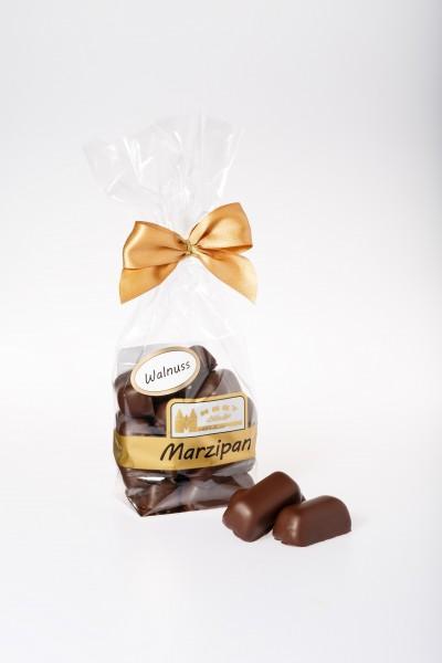 Marzipanhappen mit Walnuss in Zartbitterschokolade