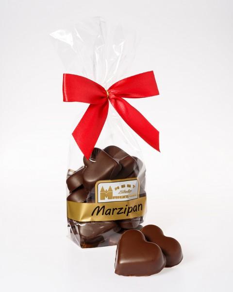 Marzipan-Herzen in Zartbitterschokolade