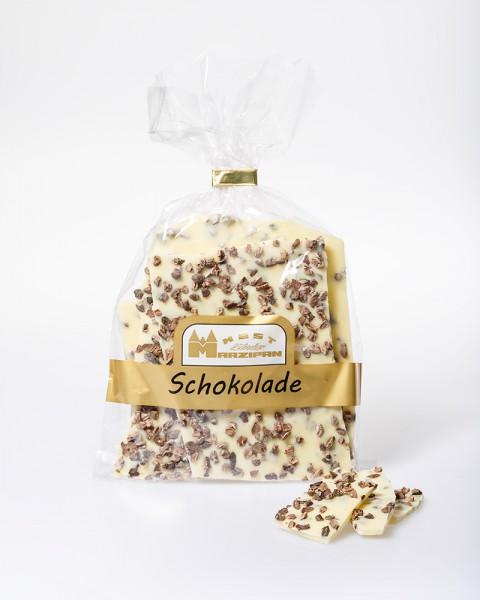 Bruchschokolade weiß mit gerösteten Kakaobohnen
