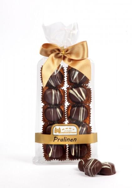 Cointreau-Marzipan-Praline in Zartbitterschokolade