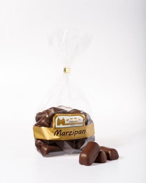 Marzipan-Bruch in Zartbitterschokolade
